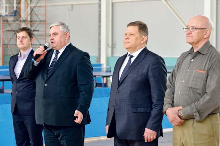 Физкультурников приветствуют руководители района