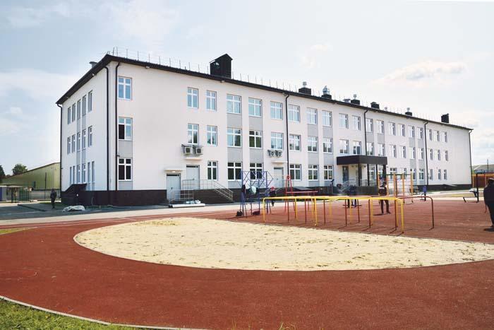 Новая школа в Выездном на 275 мест (1 сентября там прозвенит первый звонок)