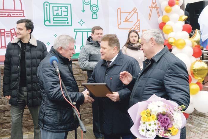 Благодарственным письмом администрации района и Земского собрания награждается И.А. Грачев