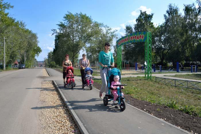 Новая пешеходная дорожка в Сельхозтехнике