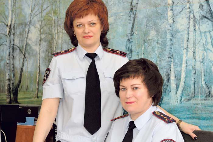 Сотрудницы штаба ОМВД РФ по Арзамасскому району Надежда Казарина и Екатерина Филиппович