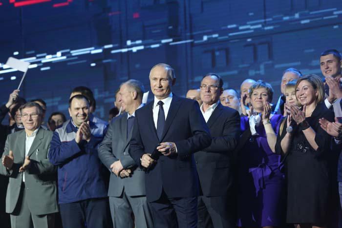 Президент РФ В. Путин на ГАЗе