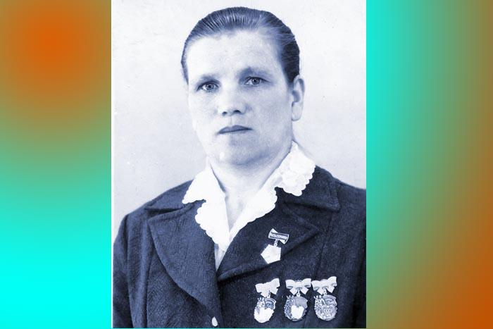 За свой материнский подвиг Т.М. Богатырева награждена тремя медалями и золотым орденом «Мать-героиня»