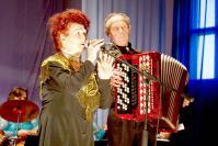 Супруги Куприяновы на сцене Красносельского Дома культуры