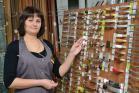 Продавец Марина Королева рекомендует мебельную фурнитуру